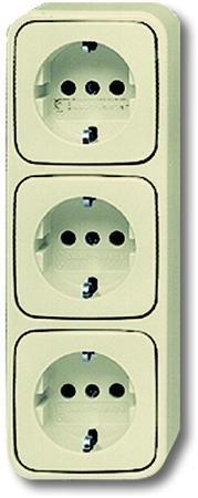 Busch-Jaeger wandcontactdoos 3 voudige met aarde opbouw (BJ 2300-03 EAP)