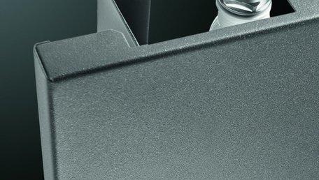 Vasco Niva Lak Enkel N1L1 designradiator 2220 x 620 x 80 mm kleur Metaal Zwart M300 - 1550 watt